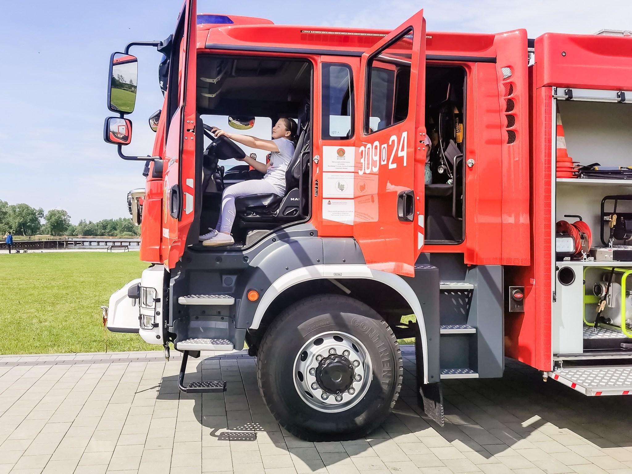 Pokazy strażackie z okazji Dnia Dziecka